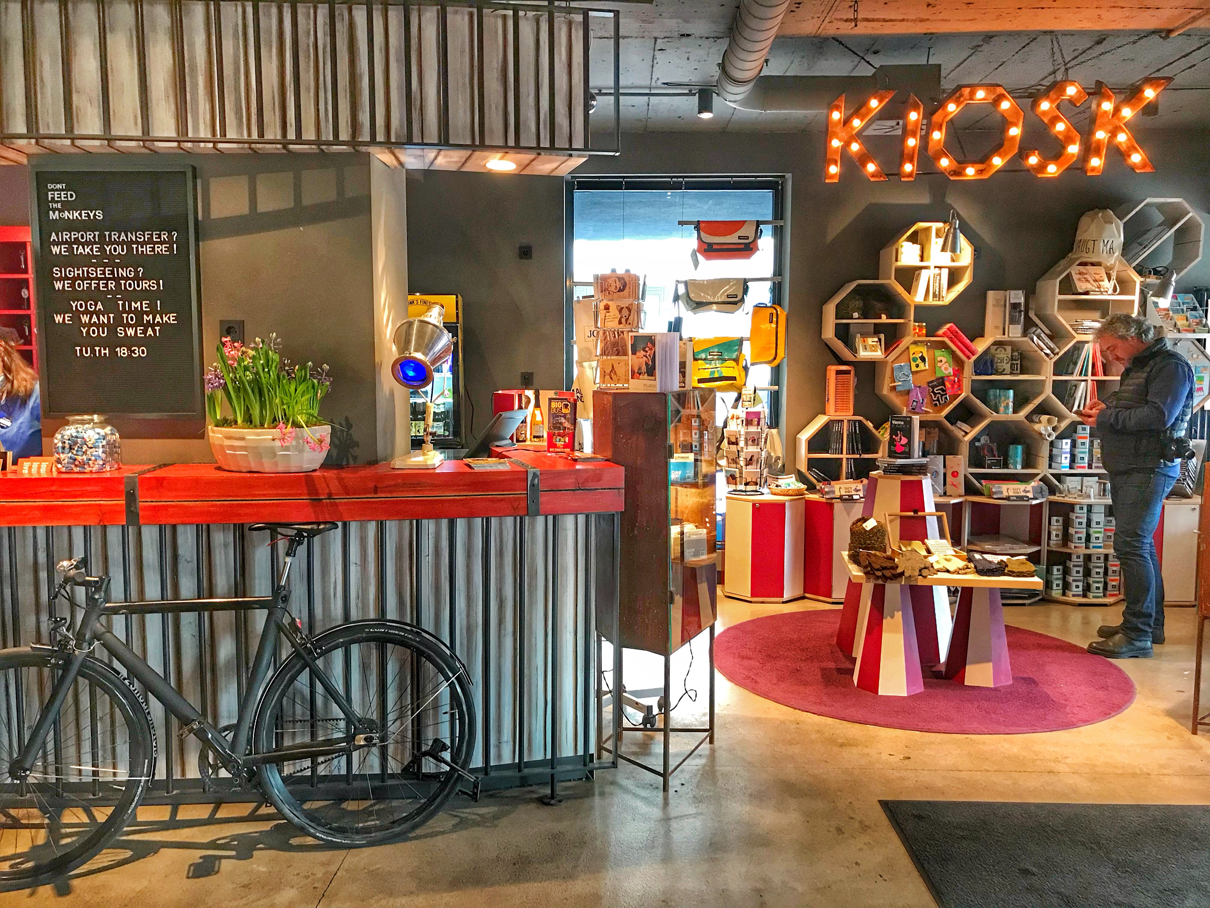 Quirky circus themed hotel 25hours vienna for Quirky hotels in prague